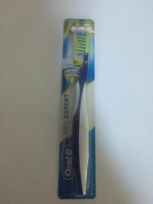 ORAL-B ANTI-BACTERIAL 40 MEDIUM FIRCA